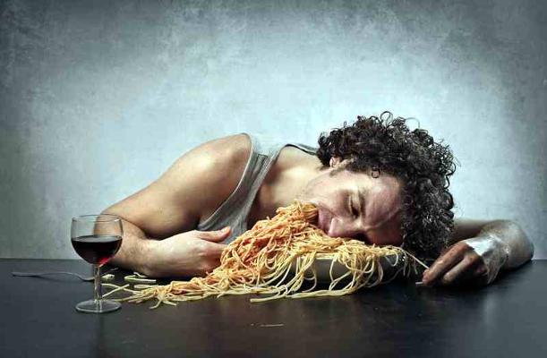 Из-за чего приходит лишний вес
