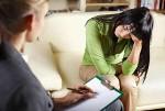 Что делает психолог во время работы с недоверяющим клиентом